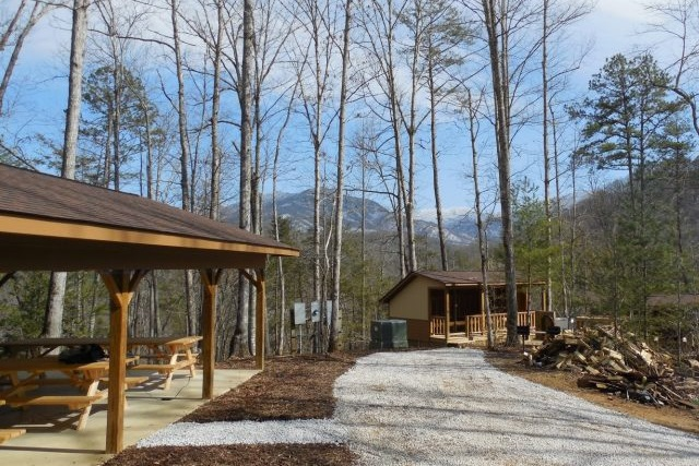FieldStationSmallPicnicBunkhouse-640×480